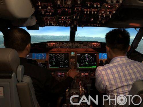 波音邀请中国民航飞行员通过模拟机体验升级后的737 MAX